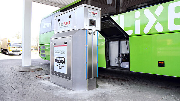 Vogelsang RoadPump – The easy way to dispose of wastewater from long distance busses