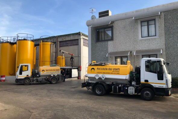 The company Dolerfer Srl is collects and recycles waste oil